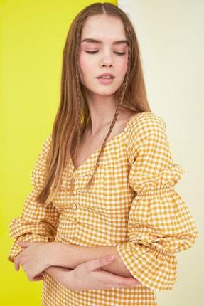 TRENDYOLMİLLA Sarı Kareli Kol Detaylı Elbise TWOSS21EL0602 2