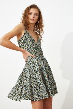 TRENDYOLMİLLA Çok Renkli Desenli Kruvaze Örme Elbise TWOSS21EL1554 1