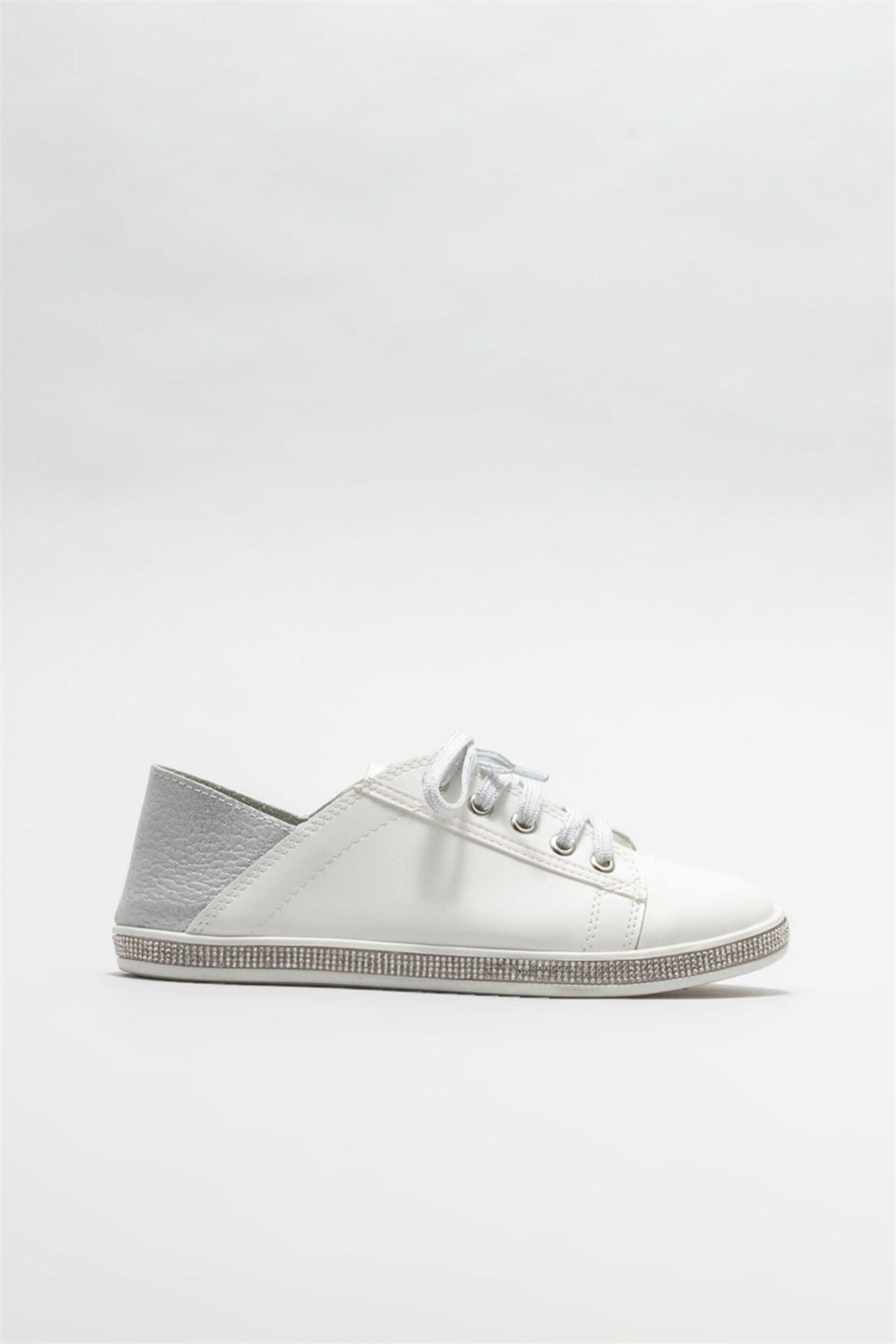 Beyaz Kadın Düz Ayakkabı
