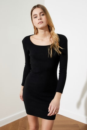 TRENDYOLMİLLA Siyah Kare Yaka Bodycon Örme Elbise TWOAW21EL2241 0