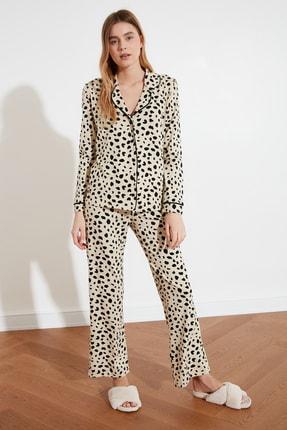 TRENDYOLMİLLA Animal Baskılı Örme Pijama Takımı THMAW21PT0489 3