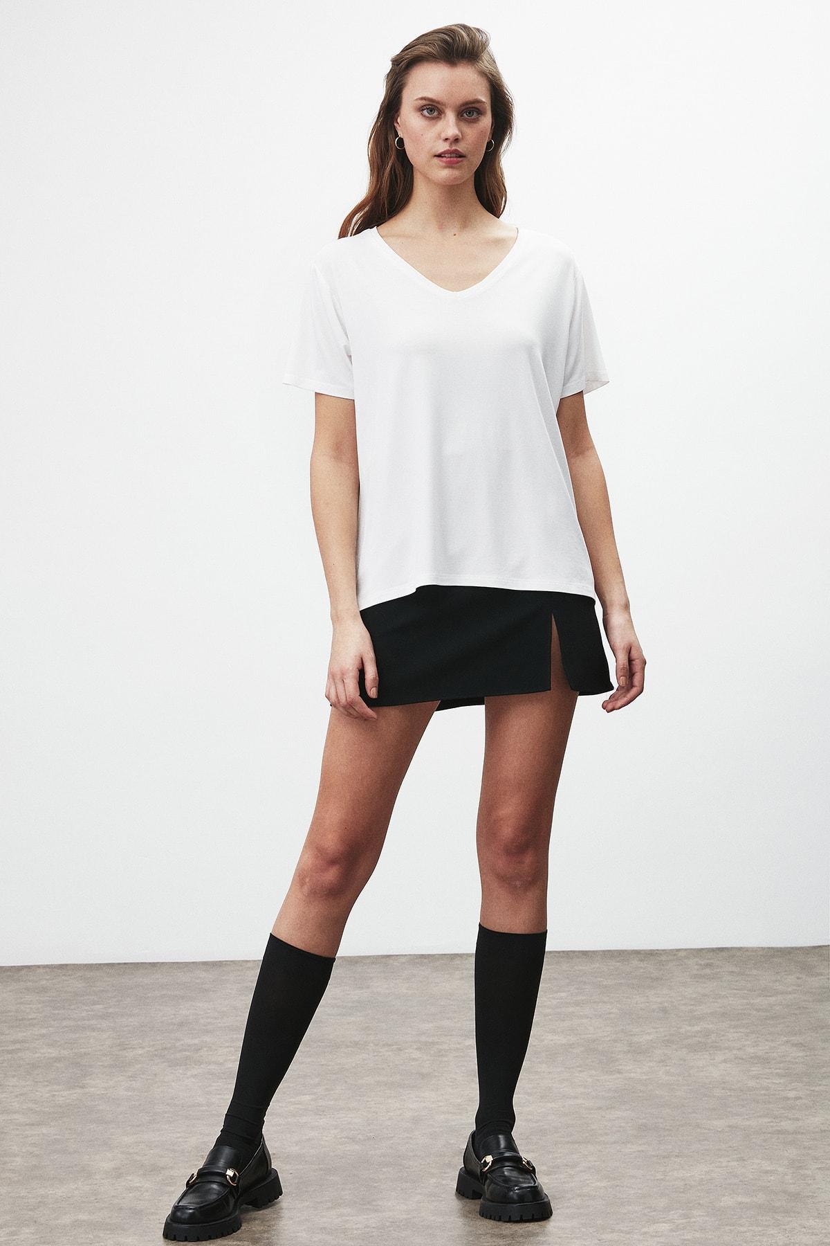GRIMELANGE Vıolet Kadın Beyaz Comfort Fit V Yaka Kısa Kollu T-shirt 3