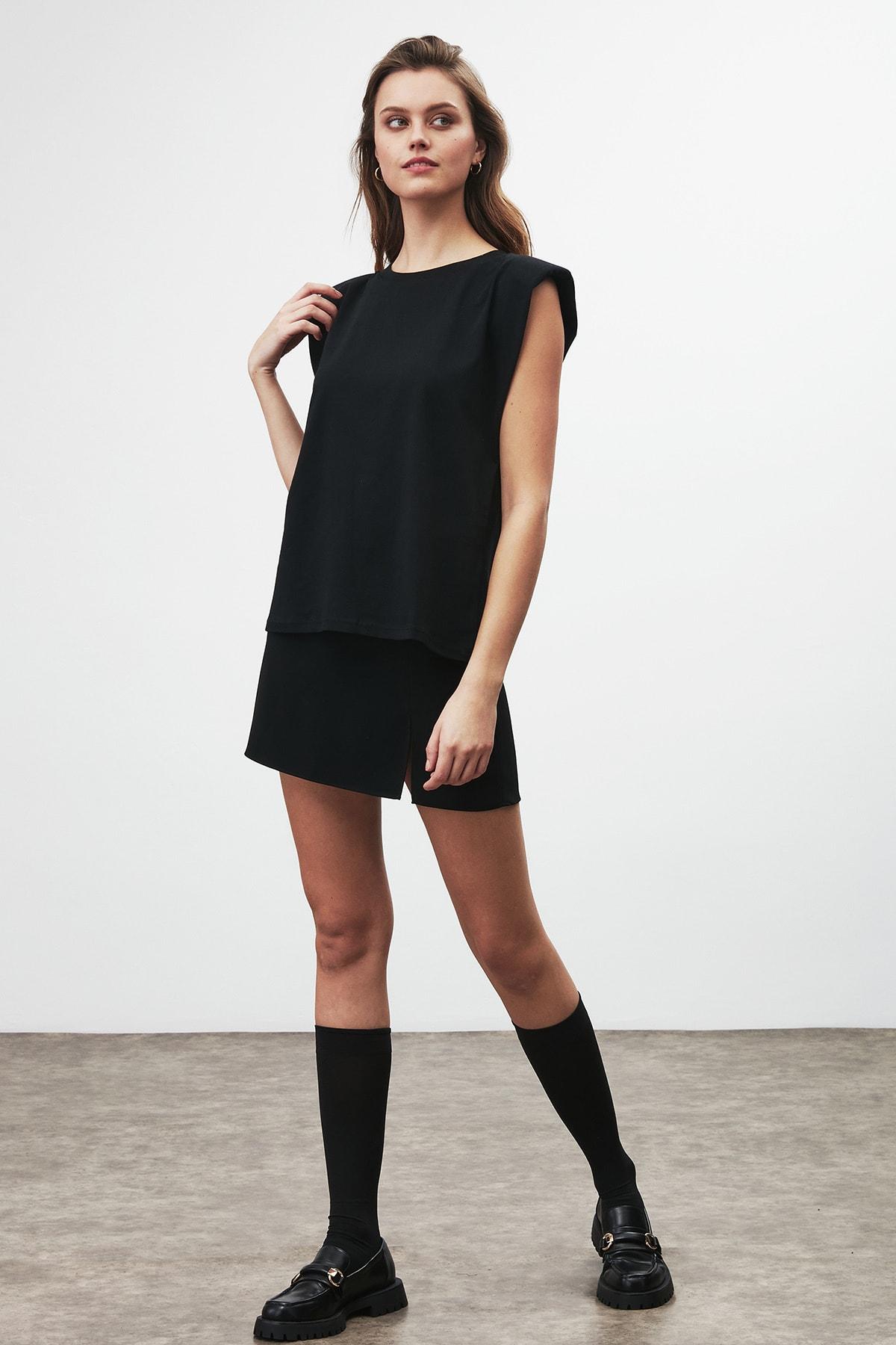 GRIMELANGE Luna Kadın Siyah Omuzları Vatkalı Kolsuz T-shirt 1