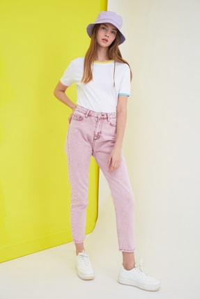 TRENDYOLMİLLA Pembe Yüksek Bel Mom Jeans TWOSS21JE0172 1