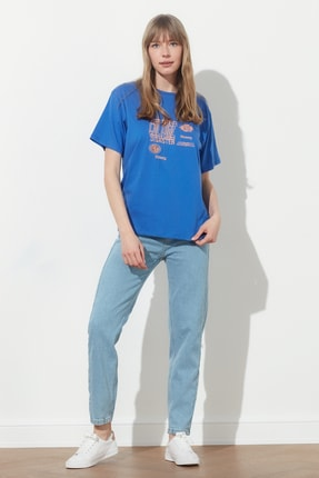 TRENDYOLMİLLA Mavi Baskılı Boyfriend Örme T-Shirt TWOSS21TS0635 4