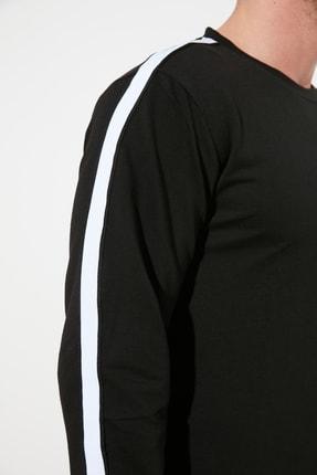 TRENDYOL MAN Siyah Erkek Regular Fit Bisiklet Yaka Kolu Şeritli Sweatshirt TMNSS20SW0074 2