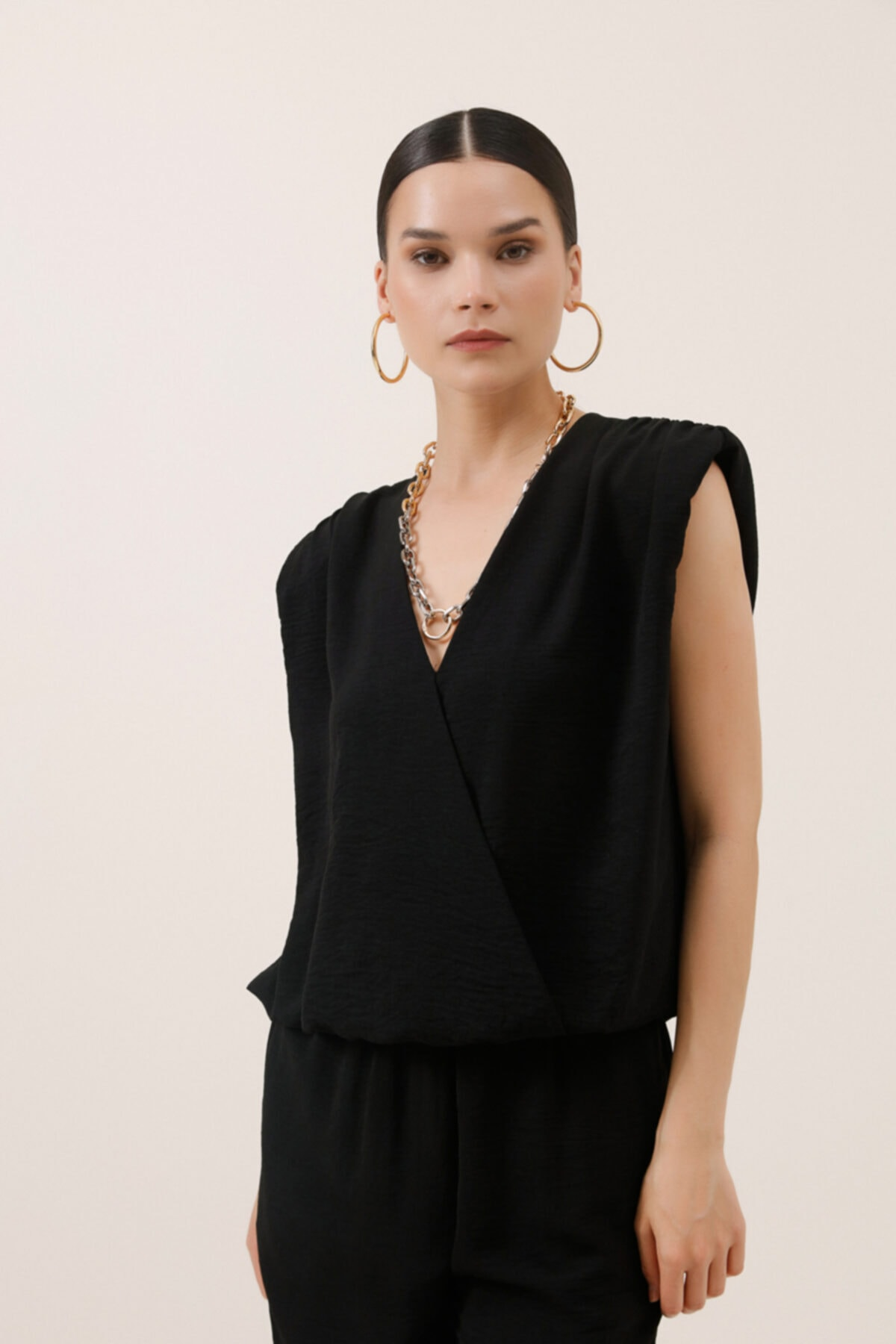 Anvelop Kesim Kolsuz Bluz - Siyah