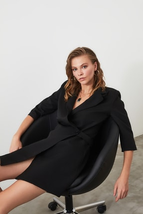 TRENDYOLMİLLA Siyah Kruvaze Ceket Elbise TWOSS19AA0062 1