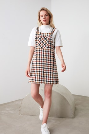 TRENDYOLMİLLA Ekru Kaz Ayağı Desenli Jile Elbise TWOAW20EL0208 1