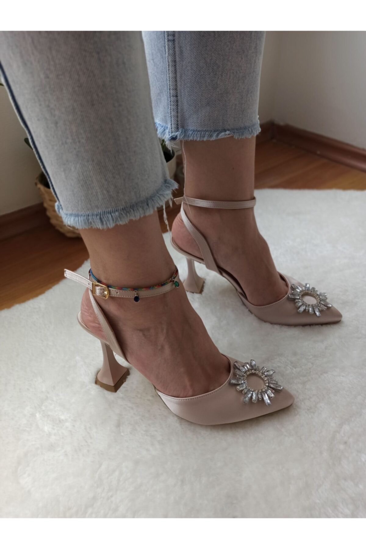 Kadın Bej Saten  Topuk Abiye Ayakkabı