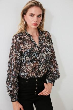 TRENDYOLMİLLA Siyah Çiçekli Gömlek TWOAW21GO0080 2