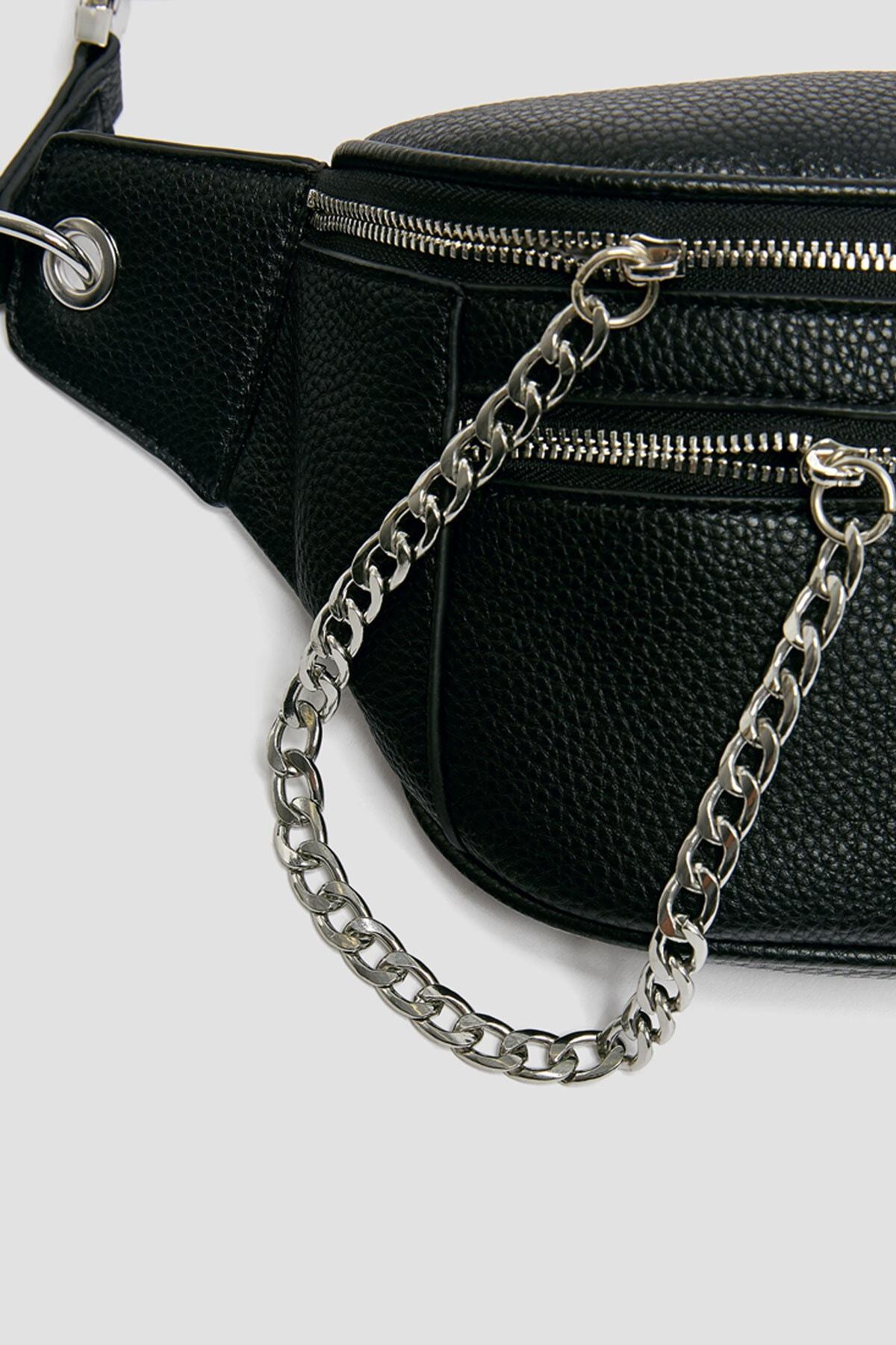 Pull & Bear Kadın Siyah Zincir Detaylı Bel Çantası 14007640 2