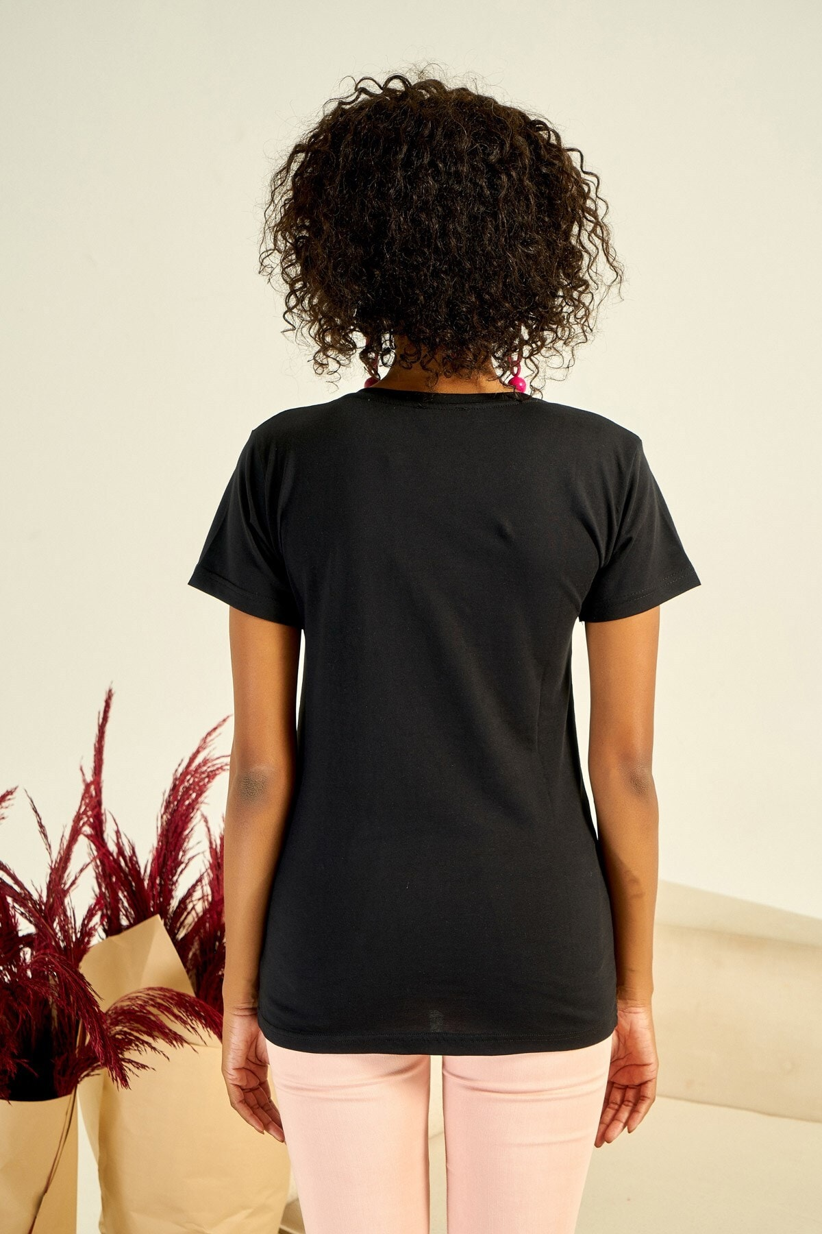 Boutiquen Kadın Siyah Önü Baskılı Taş İşlemeli T-shirt ZM-1979 4
