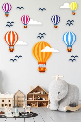 Tilki Dünyası Uçan Balonlar Beyaz Bulutlar Ve Kuşlar 4