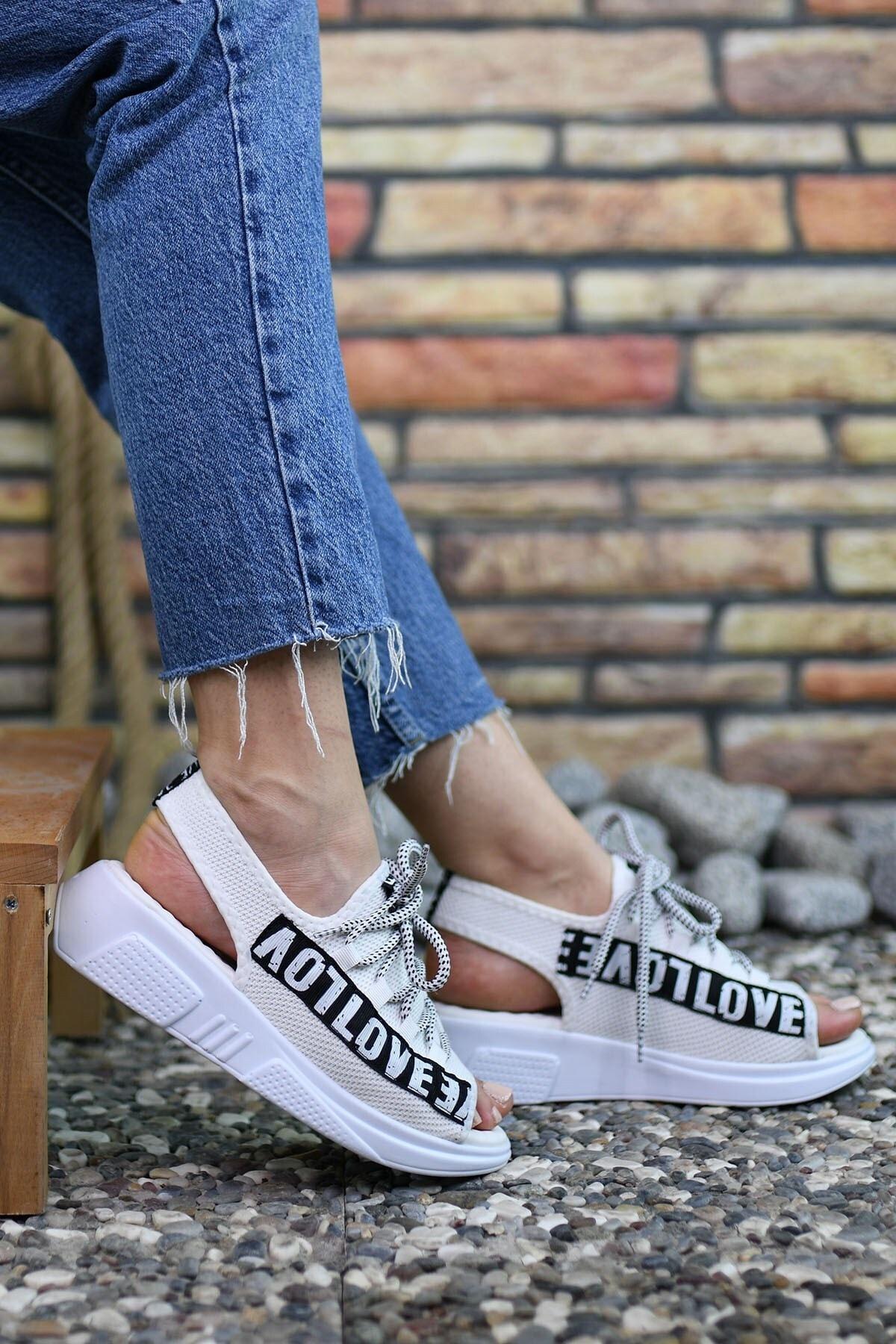 Beyaz Kadın Sandalet 0012999