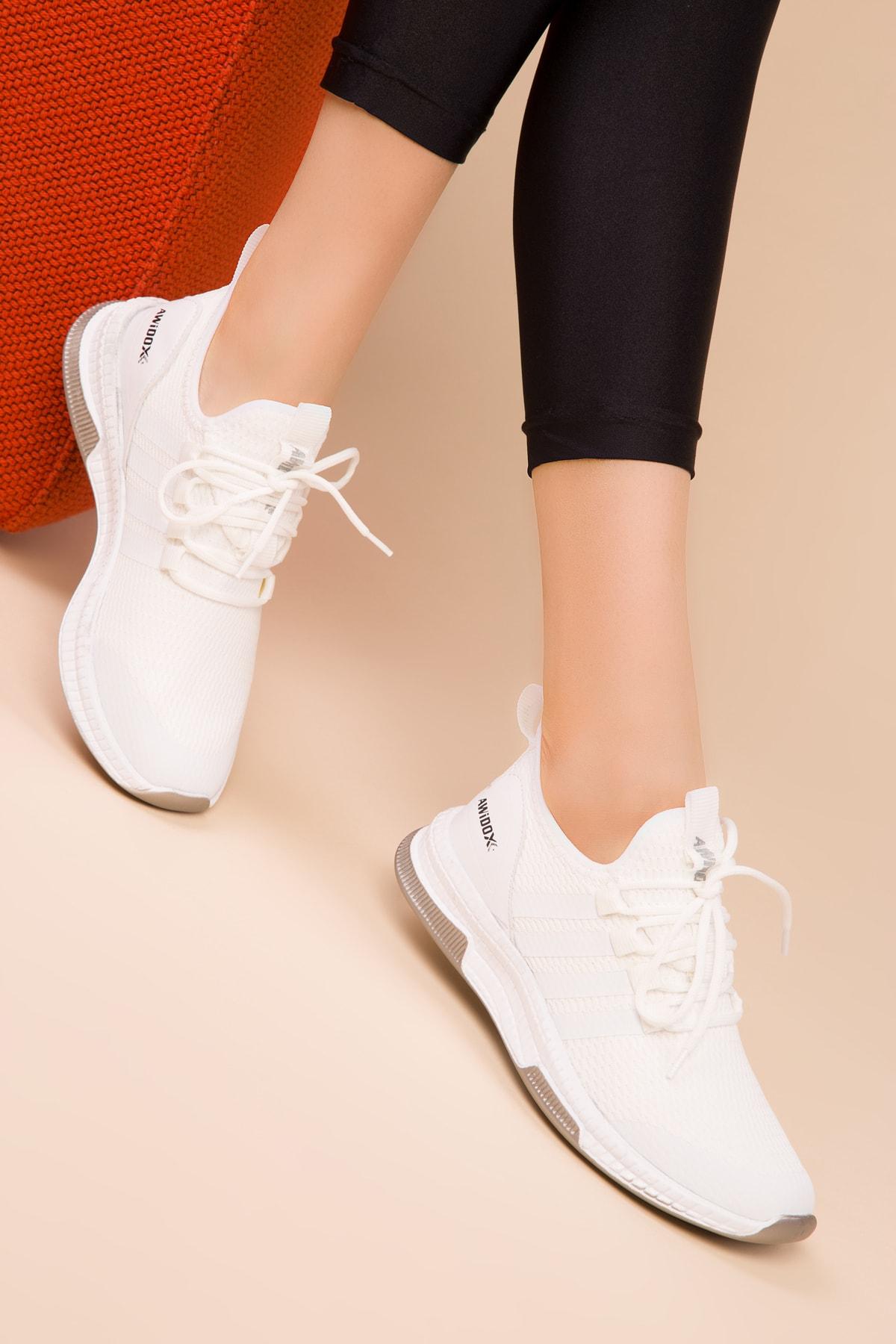 Soho Exclusive Beyaz Kadın Sneaker 15195 1
