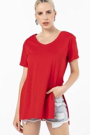 EMJEY Kadın Kırmızı İki Yanı Yırtmaçlı V Yaka T-Shirt 3