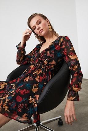TRENDYOLMİLLA Siyah Çiçek Desenli Kuşaklı Elbise TWOAW20EL1628 3