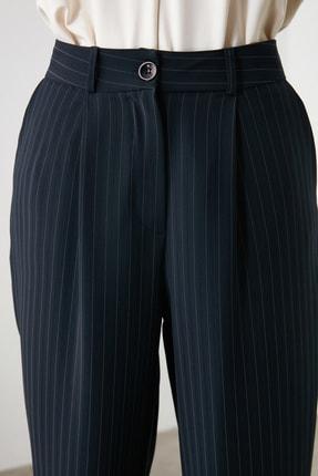 TRENDYOLMİLLA Lacivert Çizgili Pantolon TWOAW21PL0074 3