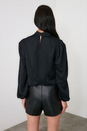 TRENDYOLMİLLA Siyah Yaka Detaylı Bluz TWOAW21BZ1308 4