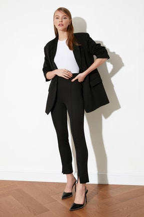TRENDYOLMİLLA Siyah Paça Detaylı Pantolon TWOAW21PL0517 0