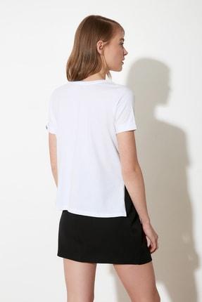 TRENDYOLMİLLA Beyaz Nakışlı Semifitted Örme T-Shirt TWOSS21TS0834 4