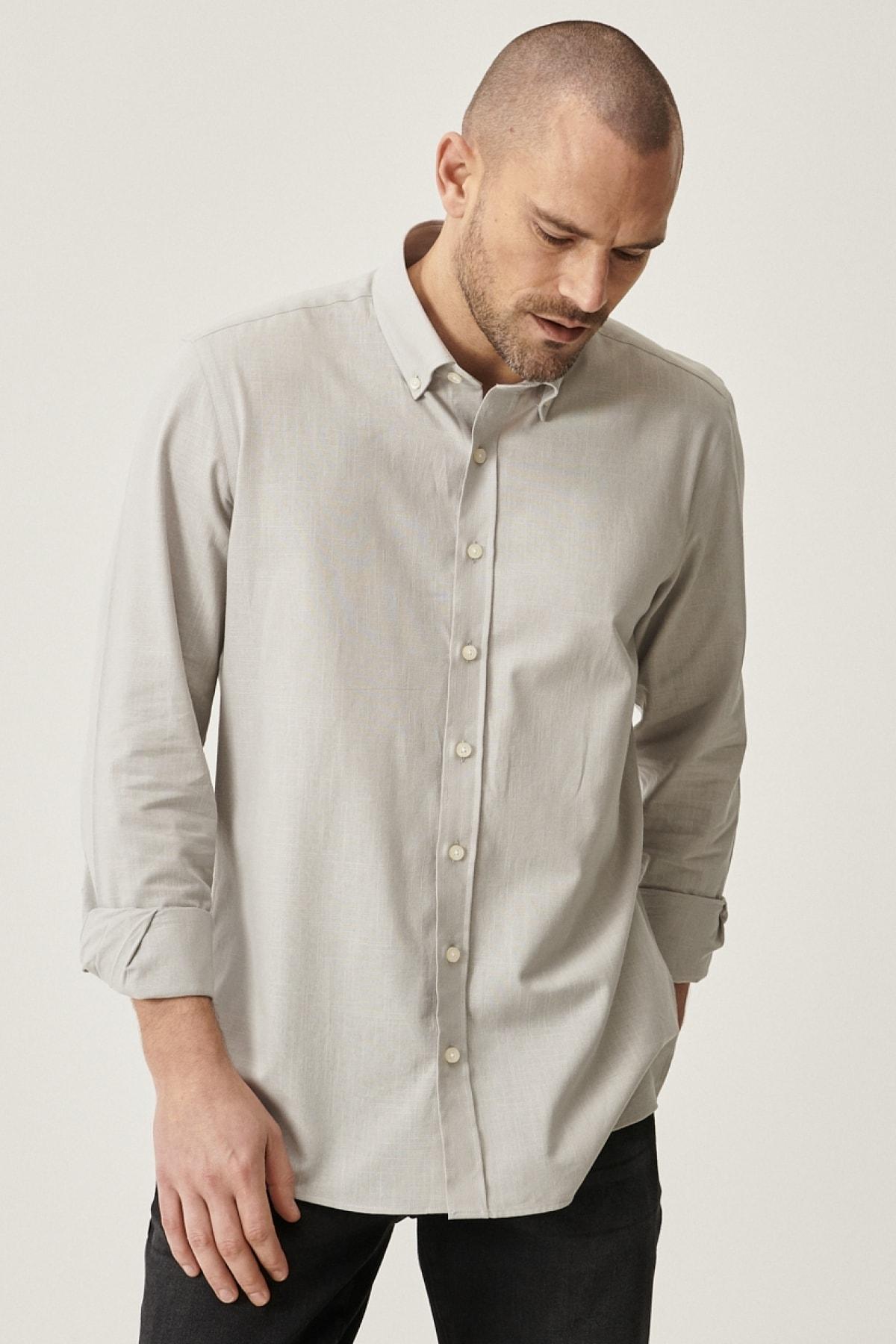 Erkek Gri Tailored Slim Fit Dar Kesim Düğmeli Yaka %100 Koton Gömlek