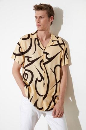 تصویر از Bej Erkek Regular Fit Apaş Yaka Geometrik Baskılı Gömlek TMNSS21GO0584
