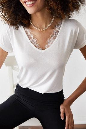 Xena Kadın Beyaz Dantelli V Yaka Bluz 0YZK2-10102 1