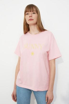 TRENDYOLMİLLA Pembe Nakışlı Boyfriend Örme T-Shirt TWOSS19IS0051 2