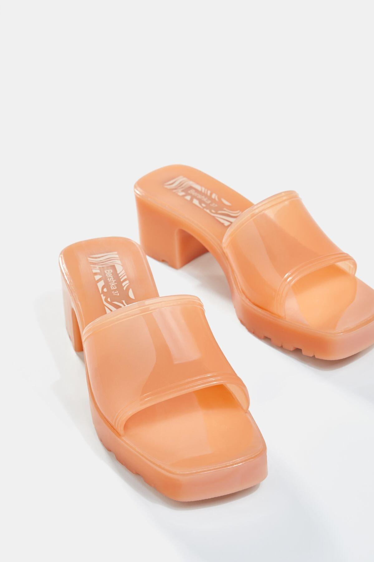 Bershka Kadın Ekru Parlak Topuklu Sandalet 11722760 4