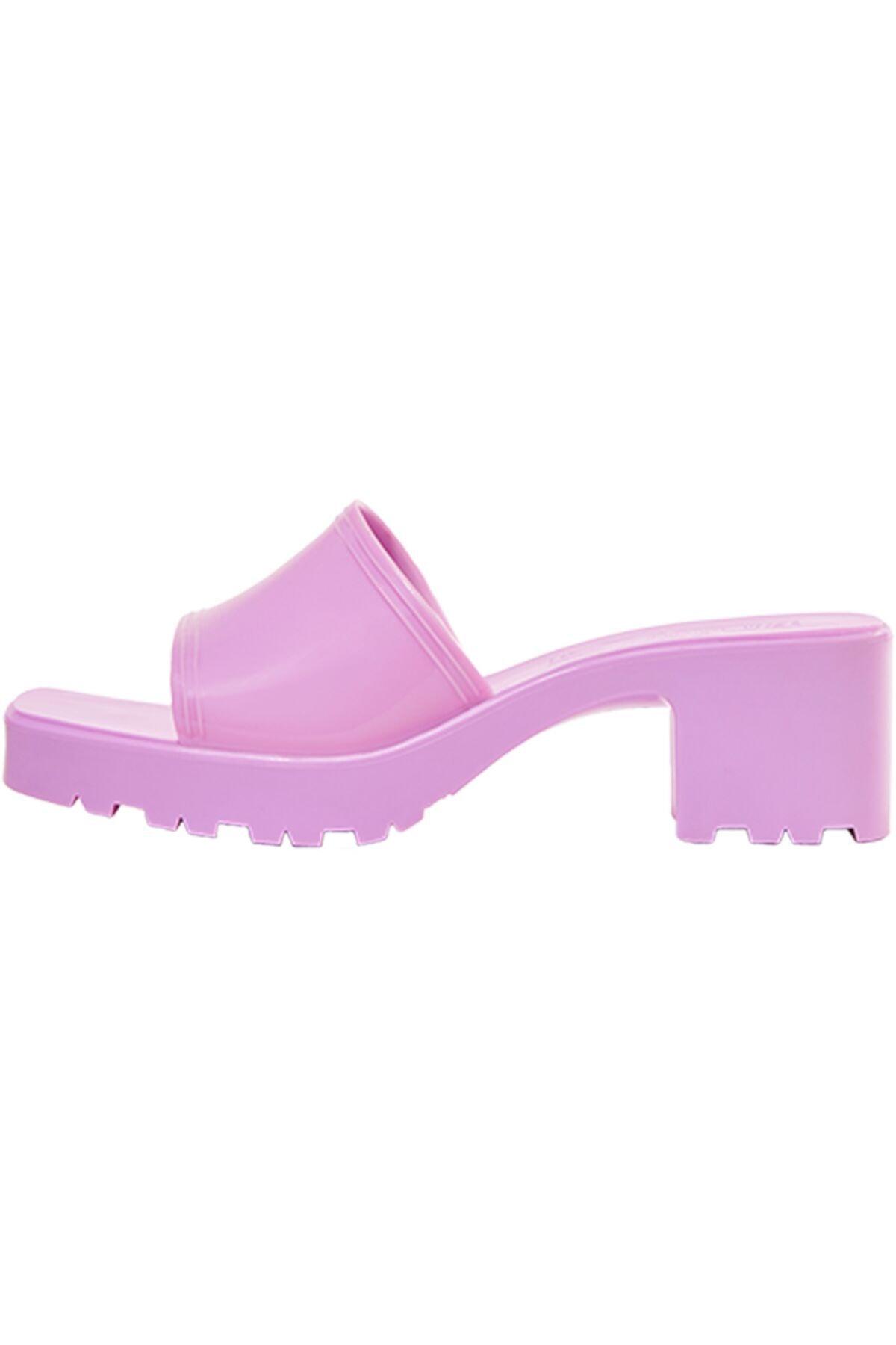 Bershka Kadın Koyu Mor Parlak Topuklu Sandalet 11721760 1