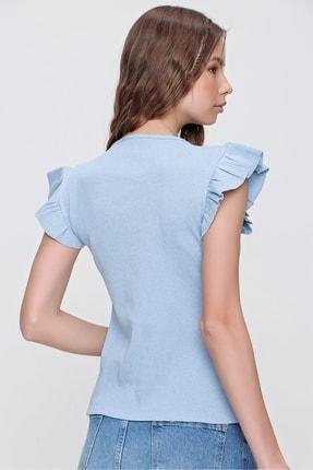 Trend Alaçatı Stili Kadın Mavi Metal Aksesuarlı Kolu Fırfırlı Kaşkorse Bluz ALC-X5978 3