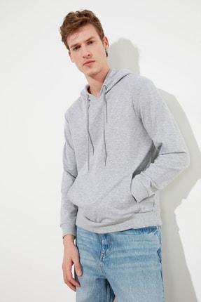 TRENDYOL MAN Gri Erkek Regular Fit Kapüşonlu Kanguru Cepli Sweatshirt TMNAW20SW0162 2
