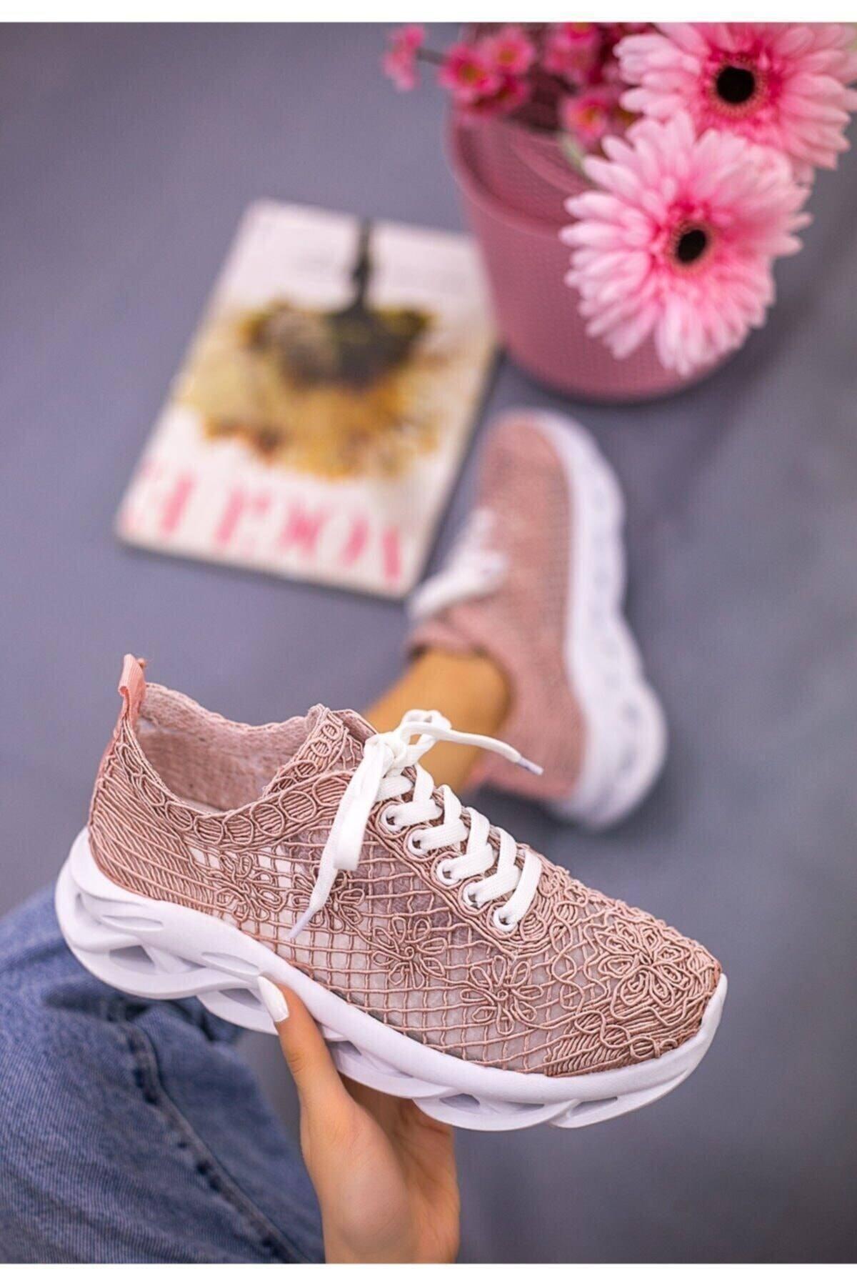 Beyond  Kadın  Pudra Dantelli Bağcıklı Yumuşak Ortopedik Taban Sneaker