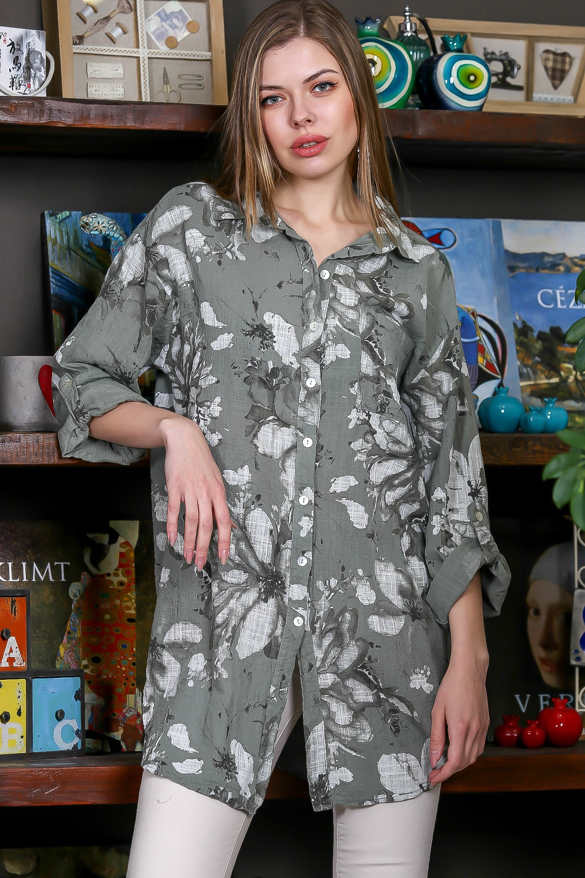 Chiccy Kadın Yeşil İtalyan Çiçek Desenli 3/4 Kol Ayarlı Yanı Yırtmaçlı Tunik Gömlek M10010400GM99439 1