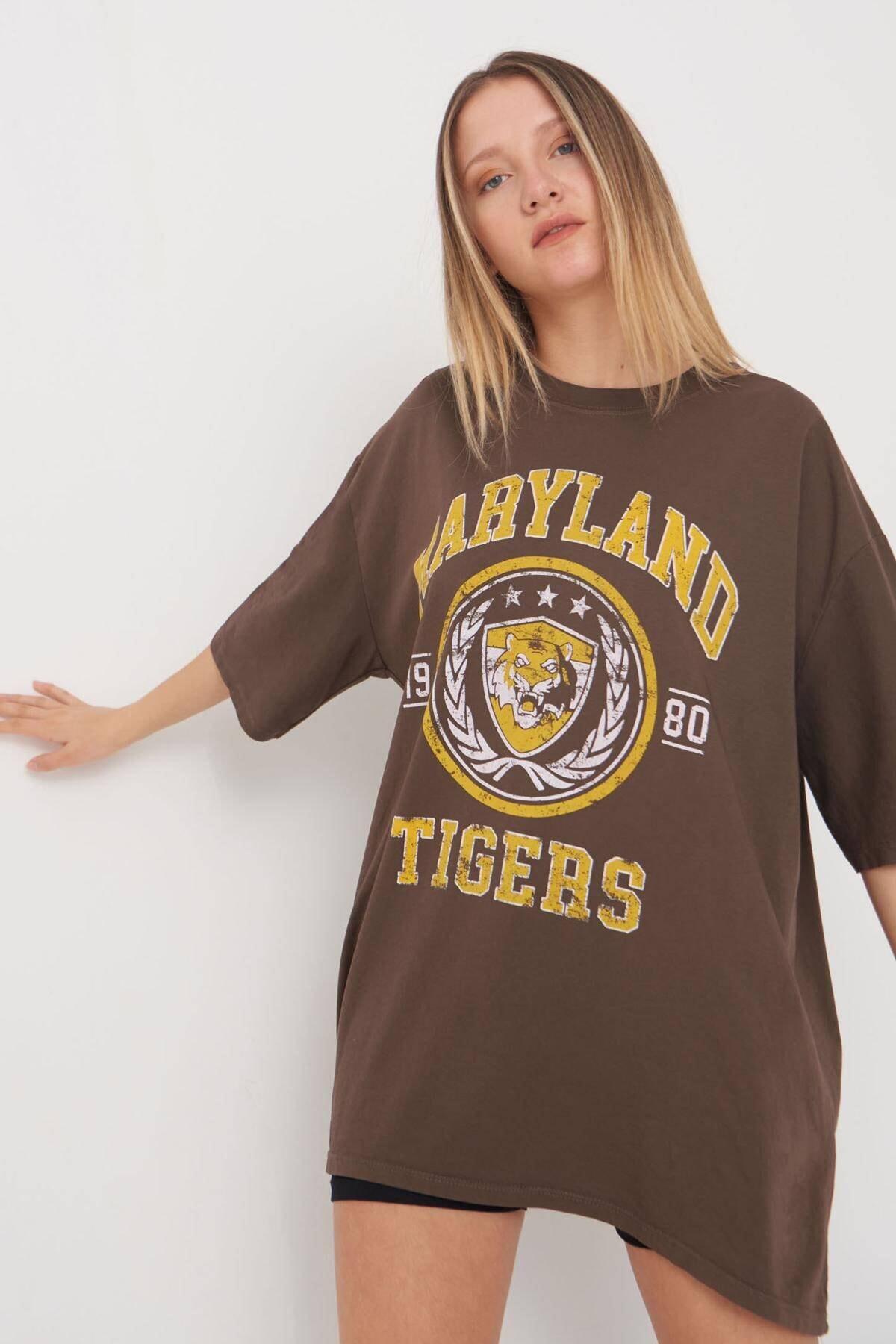 Addax Kadın Kahve Baskılı Oversize T-Shirt P9546 - B5 Adx-0000023996 1