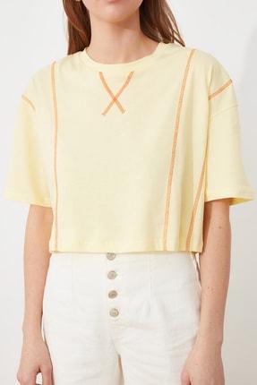 TRENDYOLMİLLA Sarı Loose Crop Örme T-Shirt TWOSS21TS2690 2