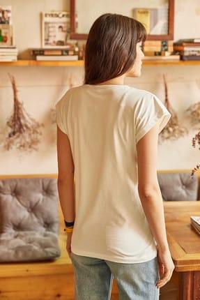 Olalook Kadın Ekru Tüylü Baskılı T-shirt TSH-19000125 4