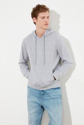 TRENDYOL MAN Gri Erkek Regular Fit Kapüşonlu Kanguru Cepli Sweatshirt TMNAW20SW0162 1