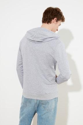 TRENDYOL MAN Gri Erkek Regular Fit Kapüşonlu Kanguru Cepli Sweatshirt TMNAW20SW0162 4