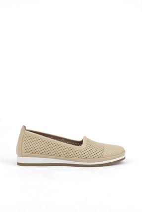 تصویر از کفش راحتی زنانه بژ