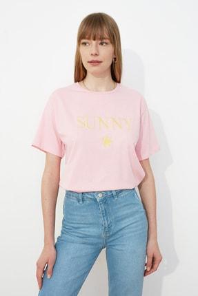 TRENDYOLMİLLA Pembe Nakışlı Boyfriend Örme T-Shirt TWOSS19IS0051 1