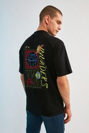 TRENDYOL MAN Siyah Erkek Regular Fit Dik Yakalı Baskılı Kısa Kollu T-Shirt TMNSS21TS0381 3
