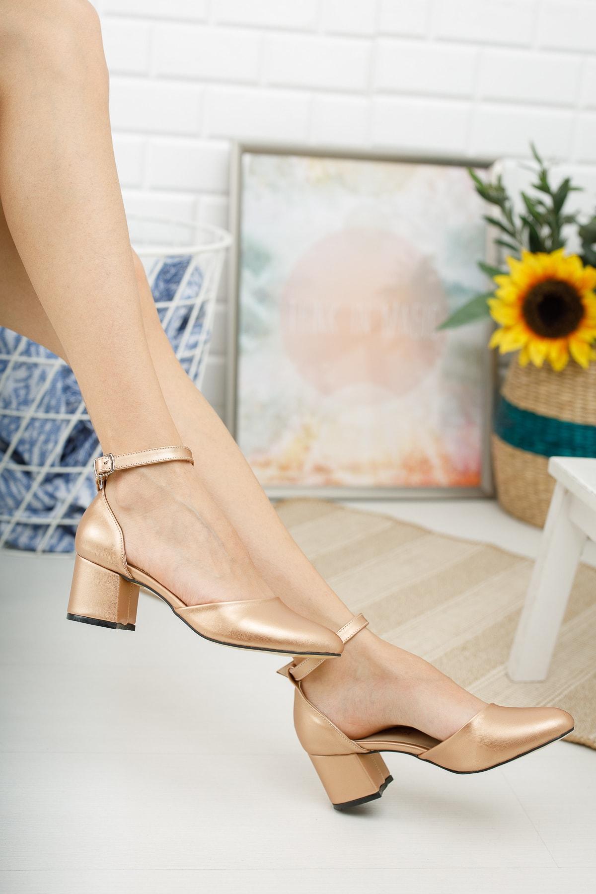 ® Gold Cilt Bilekten Tek Bant Kalın Topuklu Klasik Ayakkabı
