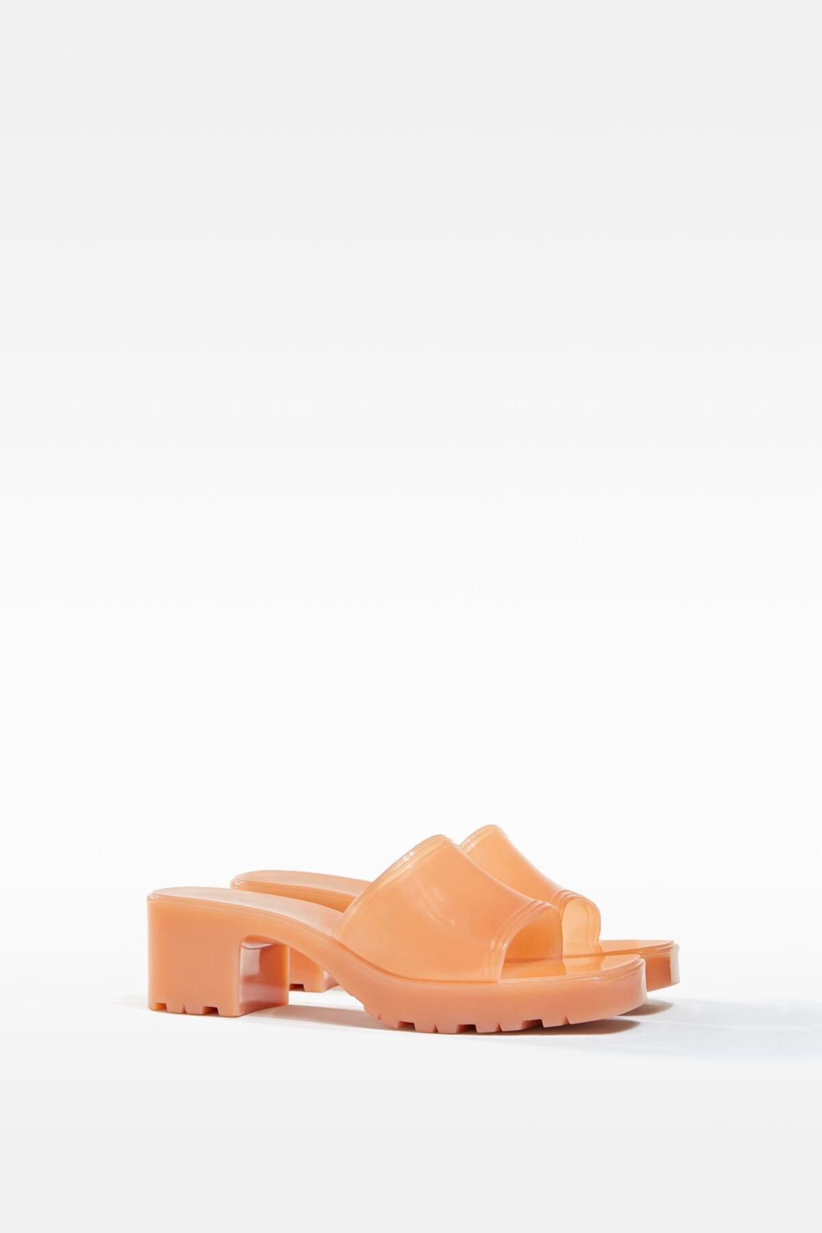 Bershka Kadın Ekru Parlak Topuklu Sandalet 11722760 1
