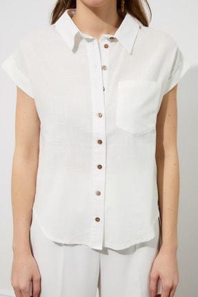 TRENDYOLMİLLA Beyaz Klasik Gömlek TWOAW20GO0081 3