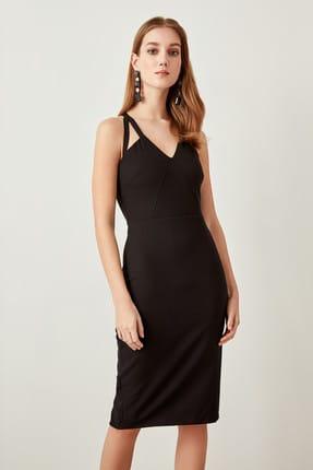 TRENDYOLMİLLA Siyah Yaka Detaylı  Elbise TPRAW19FZ0018 0