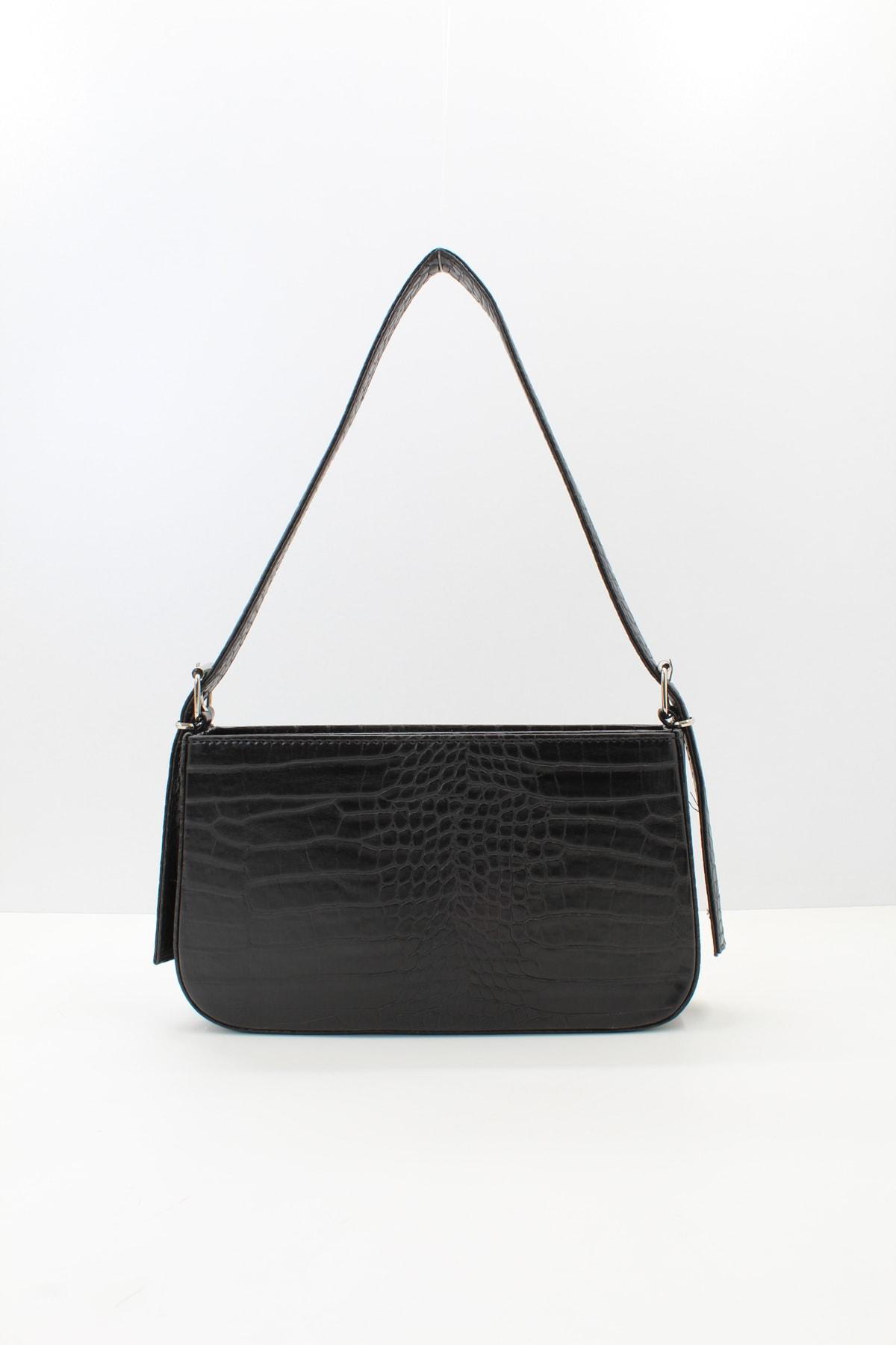 Kadın Siyah Kroko Fermuarlı Baget Çanta