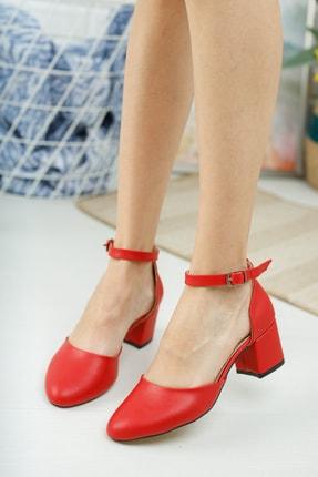 MERVE BAŞ Kadın Kırmızı Cilt Bilekten Tek Bant Kalın Topuklu Klasik Ayakkabı 0